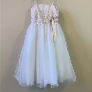 ❤️ David's Bridal Flower Girls Dress Sz 4 ❤️